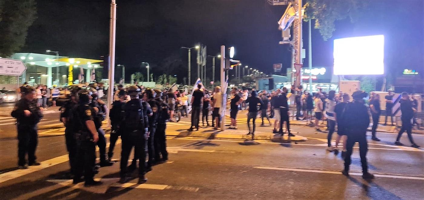 במקום לטפל בפורעים: המשטרה עצרה הלילה מעל 100 יהודים