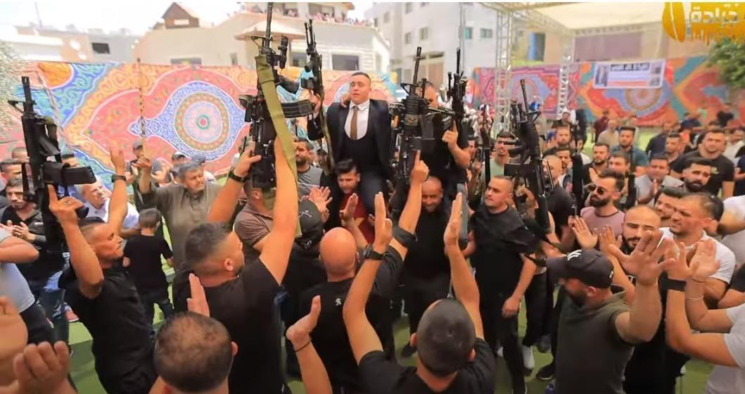 צפו: כך הפכו החתונות הערביות למפגני הכח של המחבלים