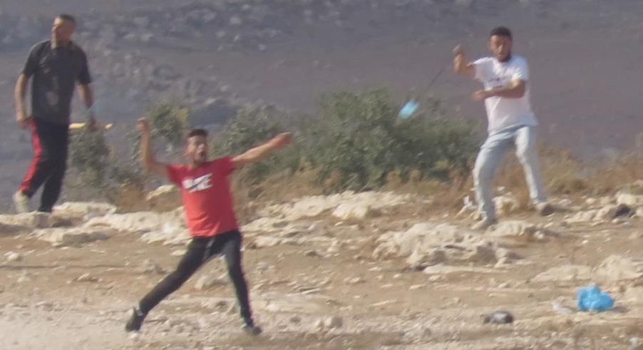"""חשיפה: פעיל """"בצלם"""" חשוד שהצית מבנה וצעק """"היהודים הציתו"""""""