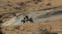 טירוף: בדואים שדדו טרקטורון מחיילים תוך ירי לעברם
