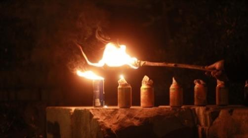 """סיבוב שערים בחנוכה: """"והדליקו נרות בחצרות קדשך"""""""