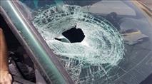 שלושה פצועים במתקפת אבנים בכביש 443