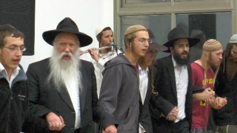 היום: התוועדות חגיגית עם הרב גינזבורג