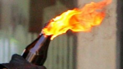 בקבוק התבערה התלקח במרפסת דירה בי-ם