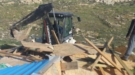 """הרס בגבעת גל: """"חיילים, סרבו פקודה"""""""
