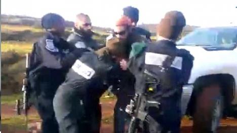 צפו: אלימות משטרתית בהרס בגבעות שילה