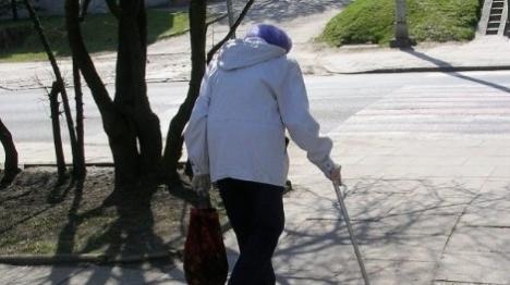 שוב: מטפלת זרה התעללה בקשישה