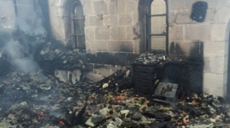 """""""והאלילים כרות יכרתון"""": כנסייה הוצתה בצפון"""