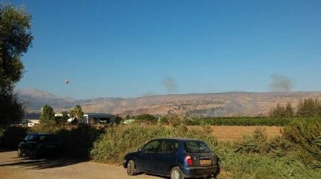 """ערבים מסוריה ירו פצמ""""רים: שריפות פרצו"""