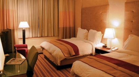 """המלונות מזהירים: """"מתארחים כאן ערבים"""""""