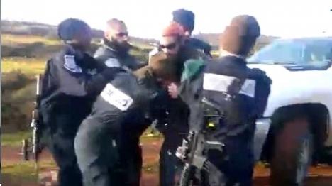 חיילים היכו ועצרו יהודים שמחו על ההפקרות הבטחונית