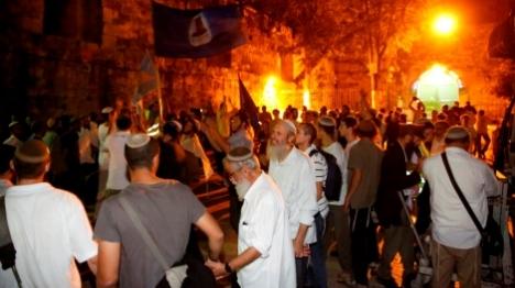 מאות ב'סיבוב השערים' בעיר העתיקה