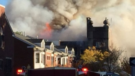 ניו ג'רזי: בית כנסת עתיק עלה באש