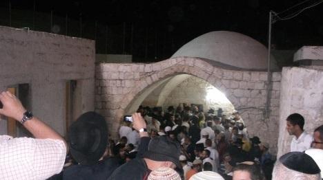 קבר יוסף שופץ באישון לילה