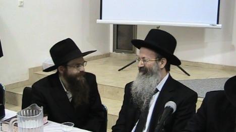 הרב אליעזר מלמד (מימין) והרב יצחק שפירא (הקול היהודי)