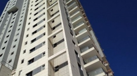 הבניין בו נרצח נתנאל עראמי היד (דן אביב, חדשות 24)