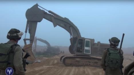 """חשיפת המנהרה: """"ממשלת ישראל טומנת ראשה בחול"""""""