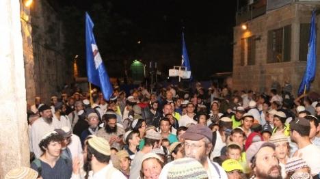 1,300 יהודים סובבו את הר הבית