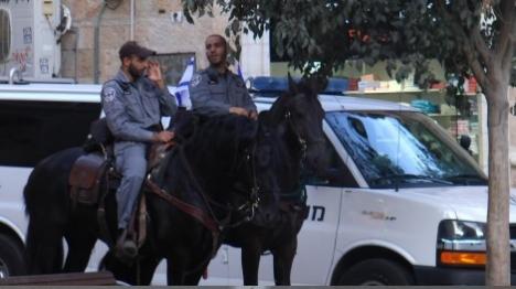 שוטרים תקפו עובד ערבי בתל אביב