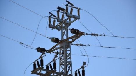 """המדינה לבג""""ץ: לא נמנע ניתוק החשמל לערבים"""
