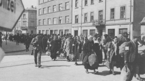יהודים בשואה (ארכיון)