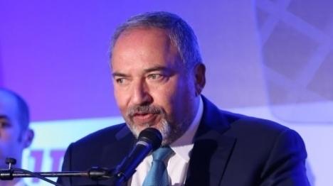 שר הביטחון התראיין לעיתון 'אל-קודס'