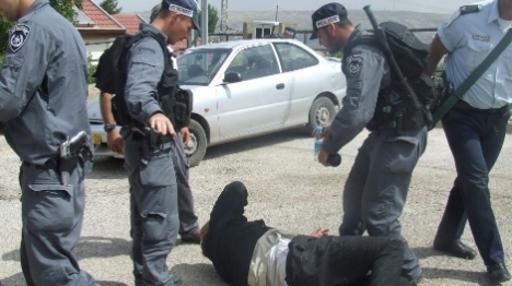 """""""אלימות משטרה חסרת מעצורים"""""""