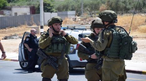 חיילים ניסו להשתלט על מחבל שתקף - ונעצרו