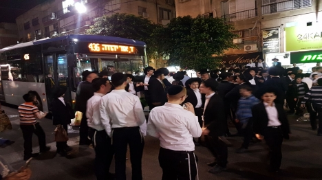 עשרות הפגינו נגד מעצרו של בחור ישיבה עריק