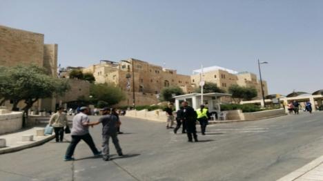מעצרים בכניסה לעיר העתיקה