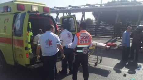 פיגוע דקירה בתל אביב: פצוע אנוש