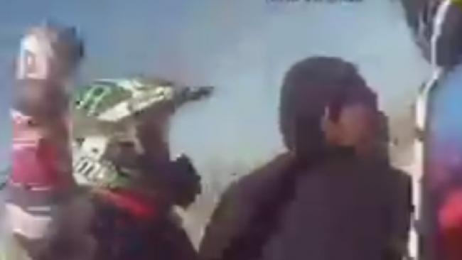 צפו: יהודים מגיבים לתוקף ערבי